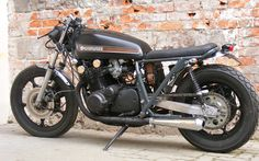 Cafe racers, scramblers, street trackers, vintage bikes and much more. The best garage for special motorcycles and cafe racers. Suzuki Cafe Racer, Inazuma Cafe Racer, Cafe Racer Build, Cafe Racers, Cafe Bike, Cafe Racer Motorcycle, Motorcycle Style, Scooters, Rock And Roll