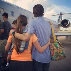 Jill Duggar & Husband Derick Dillard Depart For Mystery Mission Destination With Baby Israel In Tow! Josh Duggar, Duggar Girls, Duggar Family Blog, The Dillards, Derick Dillard, Work For The Lord, Dugger Family, Joe Budden, Having A Baby Boy