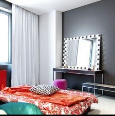 Kiev appartment designed by Denis Svirid - Lightbulb mirror