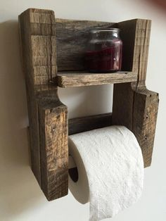 This toilet paper roll holder looks wonderful in a modern rustic bathroom. Displays your toilet paper and additional items on its sturdy