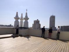 Las 'vistazas' de la casi desconocida azotea del Cuartel del Conde Duque Villas, Before Sunset, Willis Tower, Cn Tower, Statue Of Liberty, Spain, World, Building, Travel