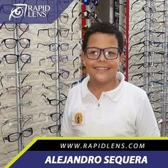 @ale_seque_71 @mdlosavel Nuestro amigo Alejandro necesitaba unos lentes para uso diario y en #30MinRapidlens #SonrisaRapidlens #ClienteFeliz #cristalesformulados #monturaretro #Razzi #OpticaRapidlens #Caracas #mejoresprecios #SabanaGrande 0212-762.2051 www.rapidlens.com