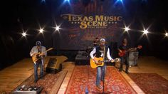 """Deryl Dodd Performs """"Honky-tonk Champagne"""" on The Texas Music Scene"""