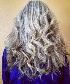 Paula Friedrichsen #silversister #grayhair #silverhair #grayhairdontcare #naturalhair #whitehair #gogray #gogrey #greyhair #greyhairdontcare #50plus #longgreyhair #longgrayhair