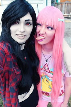Princess Bubblegum and Marceline cosplay (Adventure Time) Anime Cosplay, Epic Cosplay, Cosplay Makeup, Amazing Cosplay, Cosplay Outfits, Cosplay Girls, Cosplay Costumes, Inuyasha Cosplay, Couples Cosplay