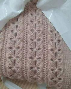 Photo Suzan Ve Elisi 👌👏👏 . Knitting Stiches, Crochet Stitches Patterns, Sweater Knitting Patterns, Lace Knitting, Crochet Motif, Stitch Patterns, Knit Crochet, Diy Crafts Knitting, Crochet Slippers