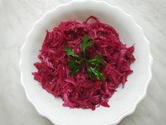 Nyers céklasaláta káposztával és hagymával télire Cabbage, Vegetables, Food, Essen, Cabbages, Vegetable Recipes, Meals, Yemek, Brussels Sprouts