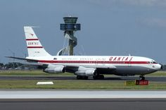 Boeing 707 Qantas (VH-XBA) - Boeing 707 - Wikipedia, the free encyclopedia