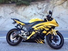 2006-2009 Yamaha R6 Full Crash Cage No Cutting Needed for installation. www.stuntarmor.com