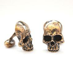 Ancient Gold Skull Cufflinks in Solid Bronze Half Skull par mrd74, $85,00