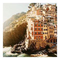 T R A V E L ⚓️ #wanderlust #travel #earth #Italy #amalficoast #resortwear #summerstyle #whereidratherbe
