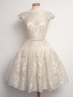 This dress is perfection. Dress by www.chotronette.com