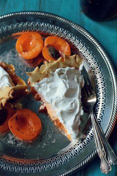 Brandy Apricot Ribbon Pie - www.countrycleaver.com