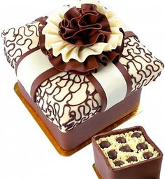 World's Most Expensive Chocolates   Brand Critique Chocolate Brands, Love Chocolate, Chocolate Truffles, Chocolate Lovers, Chocolate Desserts, Belgian Chocolate, Chocolate Cheesecake, Pretty Cakes, Beautiful Cakes