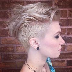 Here are Best Short Undercut Hairstyles for women. The best collection of Short Undercut Haircuts For Women, Latest and best Short Undercut Hairstyles for women Edgy Short Haircuts, Short Hair Undercut, Haircuts For Fine Hair, Undercut Women, Undercut Mohawk, Girl Undercut, Girl Mohawk, Pixie Haircuts, Popular Haircuts