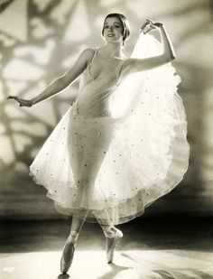 Modern Dancer Helene Denizon