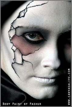 awesome Cracked porcelain doll makeup for Halloween - Halloween Costumes 2013 Porcelain Doll Makeup, Porcelain Dolls Value, Fine Porcelain, Painted Porcelain, Porcelain Ceramics, Hand Painted, Porcelain Jewelry, Halloween Make Up, Halloween Face Makeup