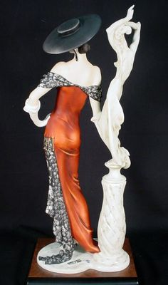 "Armani Figurines Florence Collection | 1992 Ltd Ed Giuseppe Armani Figurine ""Fascination"" : Lot 555"