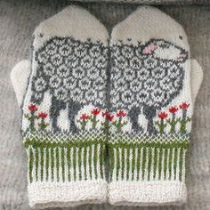 Ravelry: Sheep mittens pattern by Jorid Linvik. http://www.ravelry.com/patterns/library/sheep-mittens-3