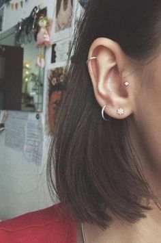 Hope you like my ear piercing!:) tragus helix lobe small piercing Hope you like my ear piercing!:) tragus helix lobe small piercing & The post Hope you like my ear piercing!:) tragus helix lobe small piercing appeared first on Harny - Home Decor. Tragus Piercings, Percing Tragus, Cute Ear Piercings, Piercings For Girls, Unique Piercings, Cartilage Hoop, Ear Peircings, Tragus Piercing Jewelry, Helix Piercing Stud