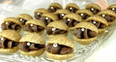 Dekorativni kolacici za vas praznicni sto :) noseca fotka by Lottey :) Biscuit Cookies, Cake Cookies, Gingerbread Cookies, Christmas Cookies, Ice Cream Candy, Desert Recipes, No Bake Cake, Baking Recipes, Sweet Tooth