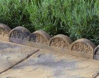 Stonemarket Yorkstone Scalloped Edgings. #garden #edging #flagstone #border