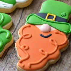 St Patricks Day Party Food Ideas for Kids St. Patrick's Day Cookies to bless your family with good luck - Hike n DipSt. Paddy's Cookies Favorite St Patricks Day Crafts and Food Irish Cookies, St Patrick's Day Cookies, Crazy Cookies, Iced Sugar Cookies, Summer Cookies, Easter Cookies, Royal Icing Cookies, Birthday Cookies, Heart Cookies