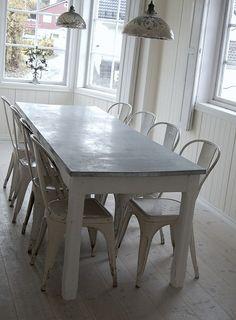 Stort fransk spisebord fra Vintage by Nina - FINN Torget Dining Table, Live, Furniture, Vintage, Home Decor, Dots, Decoration Home, Room Decor, Dinner Table