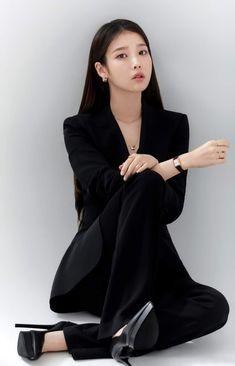 Media Tweets by iu pics 🌼 (@iu_pics) / Twitter Iu Fashion, Korean Fashion, Fashion Outfits, Korean Beauty, Asian Beauty, Korean Girl, Asian Girl, Mode Ulzzang, Korean Actresses