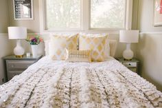 DIY Home Inspiration: Moroccan Wedding Blankets Condo Bedroom, Moroccan Wedding Blanket, Moroccan Bedroom, Baby Room Decor, Room Colors, Diy Home Decor, Living Room, Cozy Living, House Styles