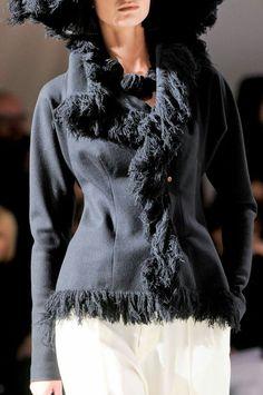 Yohji Yamamoto at Paris Fashion Week Fall 2013 - Details Runway Photos Fashion Art, High Fashion, Japanese Fashion Designers, Haute Couture Fashion, Yohji Yamamoto, Beautiful Outfits, Ready To Wear, Women Wear, How To Wear