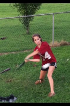 Lee doin what she loves the most SOFTBALL