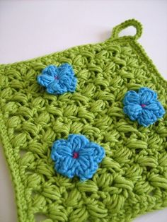Pot holder with flowers