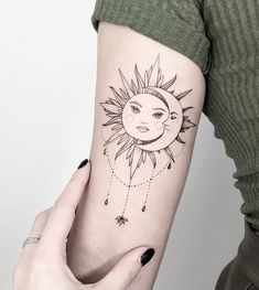 Sun and Moon Tattoo - Sun and Moon Tattoo - - .-Sonne und Mond Tattoo – Sonne und Mond Tattoo – – Sun and moon tattoo – sun and moon tattoo – – – - Boho Tattoos, Sun Tattoos, Wrist Tattoos, Body Art Tattoos, Small Tattoos, Sleeve Tattoos, Tattoos Lua, Tatoos, Tattoo Arm