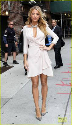 Blake Lively 2012 - Jenny Packham dress with Christian Louboutin pumps and Lorraine Schwartz jewelry