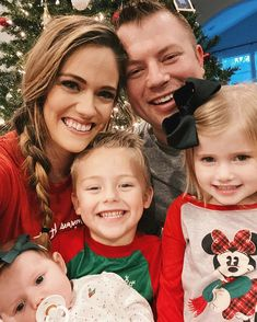 Zach & Whitney Bates with their three children's Carson Kaci & Khloe on Christmas Day Family Of 5, Bates Family, First Christmas, Merry Christmas, Christmas 2019, Whitney Bates, Happy Birthday Jesus, Duggar Family, Family Events