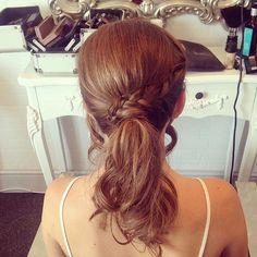 Ponytail+With+A+Braid+For+Medium+Hair