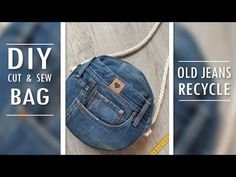 In this video DIY tutorial I show you an easy way to make the jeans purse bag by own hands from scratch. ✂ Materials you need to make this DIY jeans bag: - o. Denim Bag Patterns, Diy Bags Patterns, Diy Old Jeans, Recycle Jeans, Denim Tote Bags, Diy Tote Bag, Denim Purse, Jean Diy, Mochila Jeans