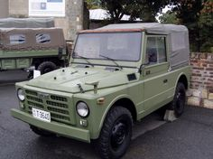 Yugoslavian Army Fiat 1107 (with windows and canvas top cover up)
