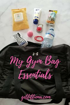 Today I'm sharing the things that I make sure are in my gym bag every time I head out for a workout. Burt's Bee's Facial Cleansing Towelettes // Since I typically only wash my face once a day at night, Wellness Tips, Health And Wellness, Workout Gear, Gym Workouts, Gym Bag Essentials, Fitness Tips, Fitness Gear, My Gym, Gym Addicts