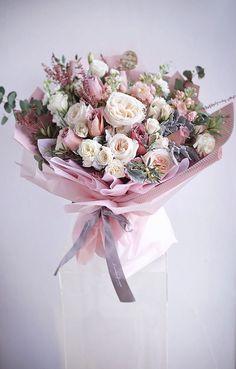 Boquette Flowers, Beautiful Bouquet Of Flowers, Luxury Flowers, Beautiful Flower Arrangements, Planting Flowers, Floral Arrangements, Beautiful Flowers, Wedding Flowers, Flowers Bucket