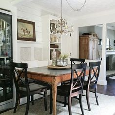 Colley E. Round Dining, Dining Table, Dining Rooms, Home Design Decor, House Design, Home Decor, Farmhouse Chic, Sweet Home, Decorating Ideas