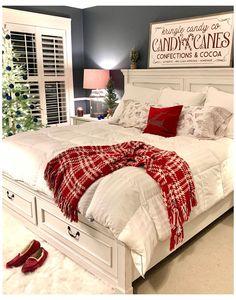 Cosy Christmas, Christmas Home, White Christmas, Outdoor Christmas, Apartment Christmas, Country Christmas, Christmas Ideas, Christmas Wreaths, Christmas Bedding