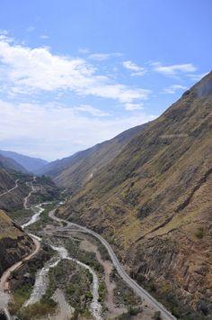 La Nariz del Diablo, Riobamba, Ecuador ---