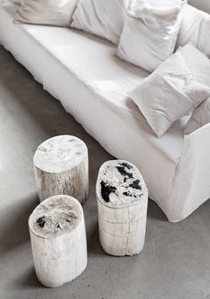 LW Petrified Wood Tables / Palets | © Hannah Lemholt Photography for Love Warriors