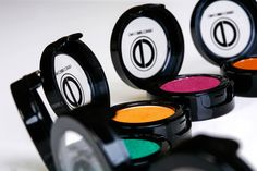 You need to know about this makeup!!! Divacouturecosmetics.com Beats Headphones, Over Ear Headphones, Makeup Looks, Diva, Hair Makeup, Cosmetics, Couture, Face, Beauty