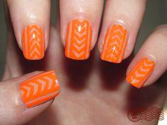 Bare nail with neon nail-art