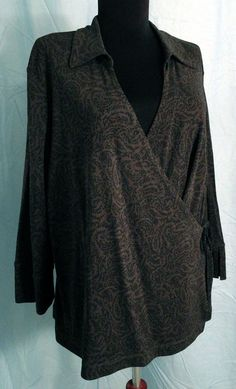 a4fd3df982e9a Ladies J JILL Wrap Top Shirt PETITE L 3/4 sleeve Stretch dark gray red
