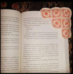 Triangle Bookmark - Crochet creation by Na Fatwaningrum