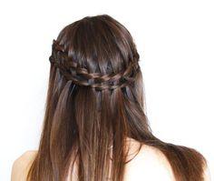 Trenza de lado, ideal para esta temporada, encuentra más peinados en http://www.1001consejos.com/